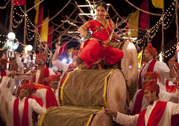 Vidya Balan Dancing Mala Jau De Song From Ferrari Ki Sawaari