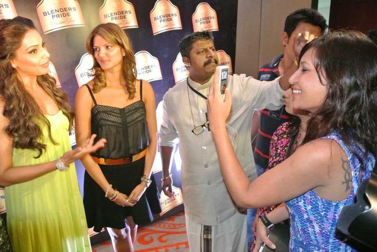 Bipasha And Mehtani Snap Taken By A Fan
