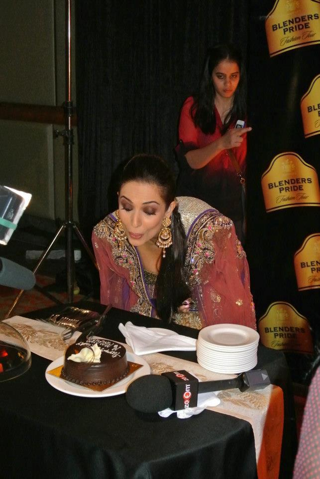 Malaika Looked Stuning With Birtday Cake Still
