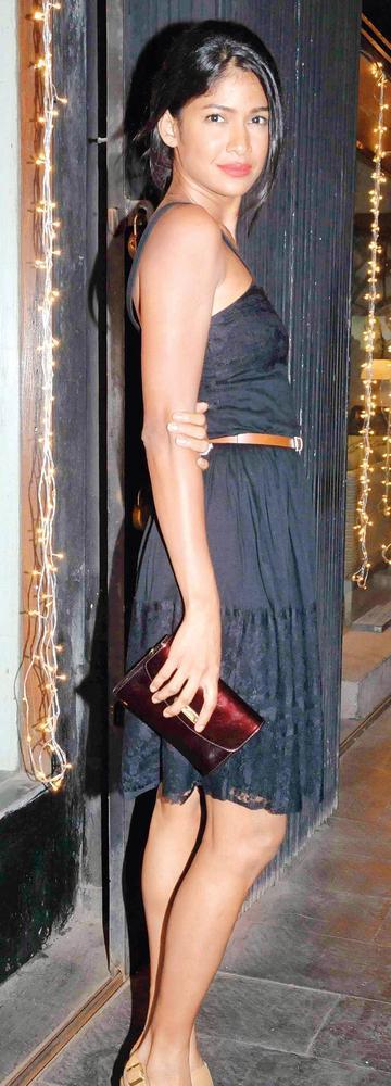 Carol Gracias Glamour Look At Pallete Design Studio
