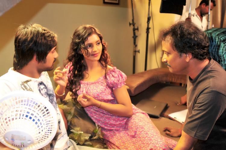 Varun,Sanchita And Neelakantha In Movie Chammak Challo Set