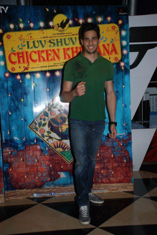 Siddharth Malhotra At Luv Shuv Tey Chicken Khurana Premiere