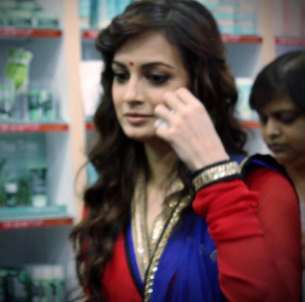 Dia Mirza Completed Her Look With Flowing Hair Still At The Body Shop
