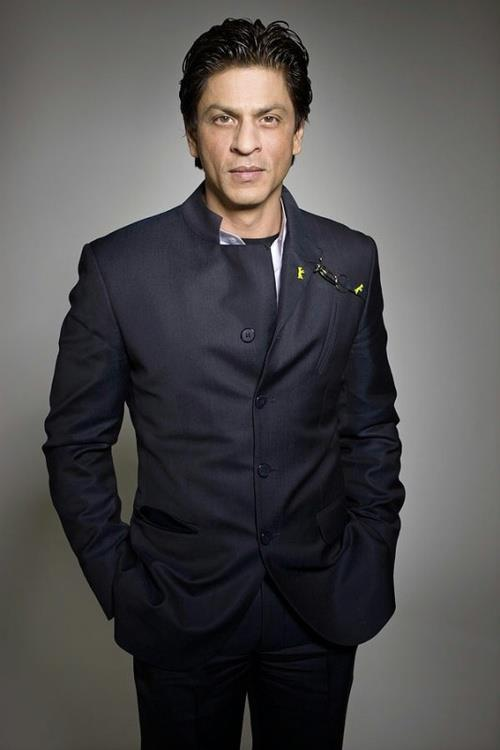 Shahrukh Photo Clicked In Suit