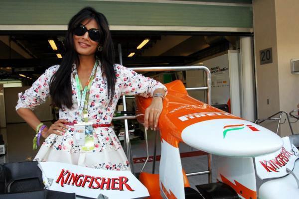 Chitrangda Pose For Camera At The Sahara Force India Pit Garage
