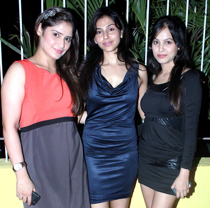 Alka Verma Posed With Guest At The Coffee Adda Launch