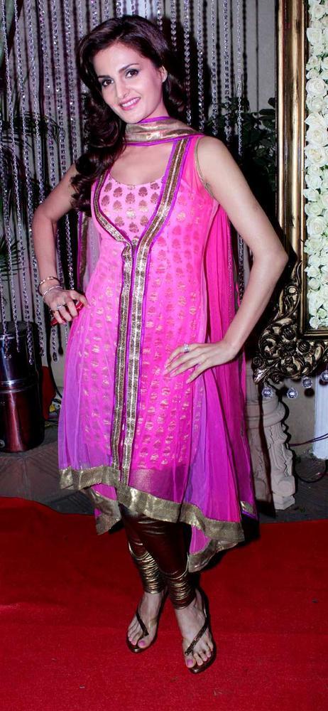 Monica Bedi Glamour Look At Kiran Bawa's Diwali Bash