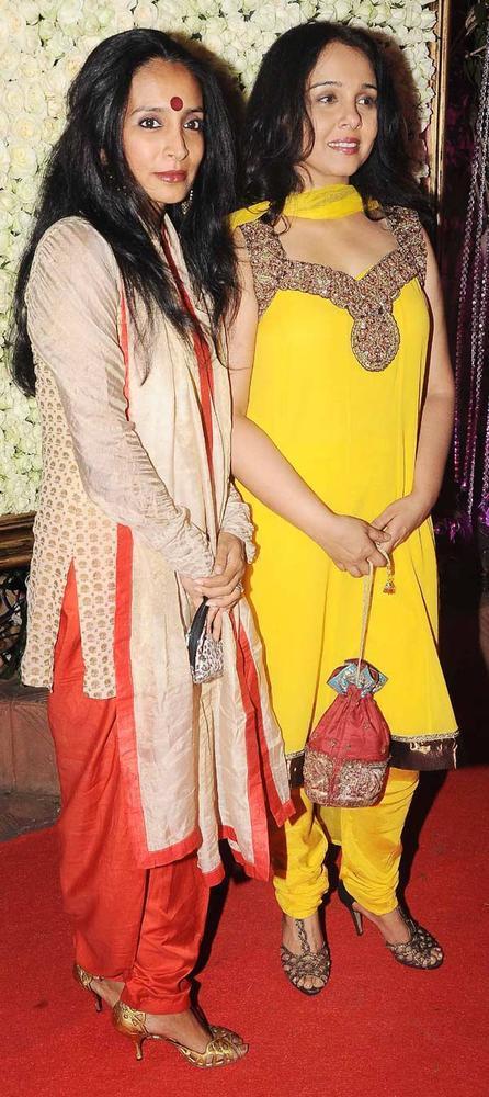 Suchitra Krishnamurthy Attend At Kiran Bawa's Diwali Bash