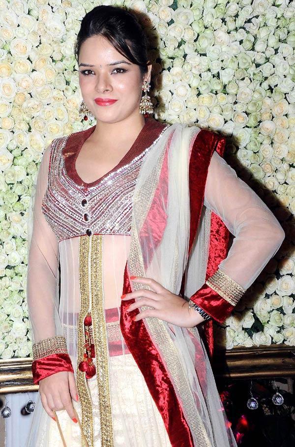 Udita Goswami Gorgeous Look At Kiran Bawa's Diwali Bash