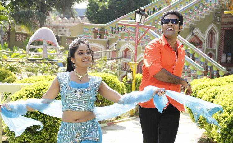 Tarakaratna And Madhavi Cute Smiling Still From Chudalani Cheppalani Movie Song
