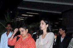 Katrina And Shahrukh Spotted At Mumbai International Airport
