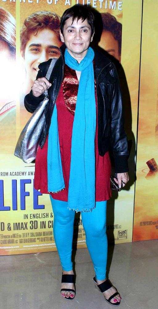 Deepa Sahi Posed During The Premiere Of Life Of Pi
