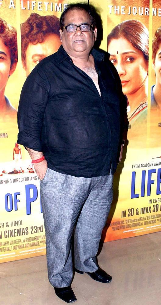 Satish Kaushik Snapped At The Premiere Of Life Of Pi