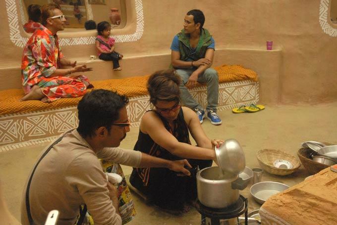 Dinesh,Jyoti,Vrajesh And Imam Photo From Bigg Boss 6 Village House
