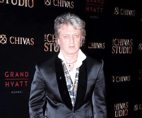 Rohit Bal Snapped At Chivas Studio 2012 On Day 2