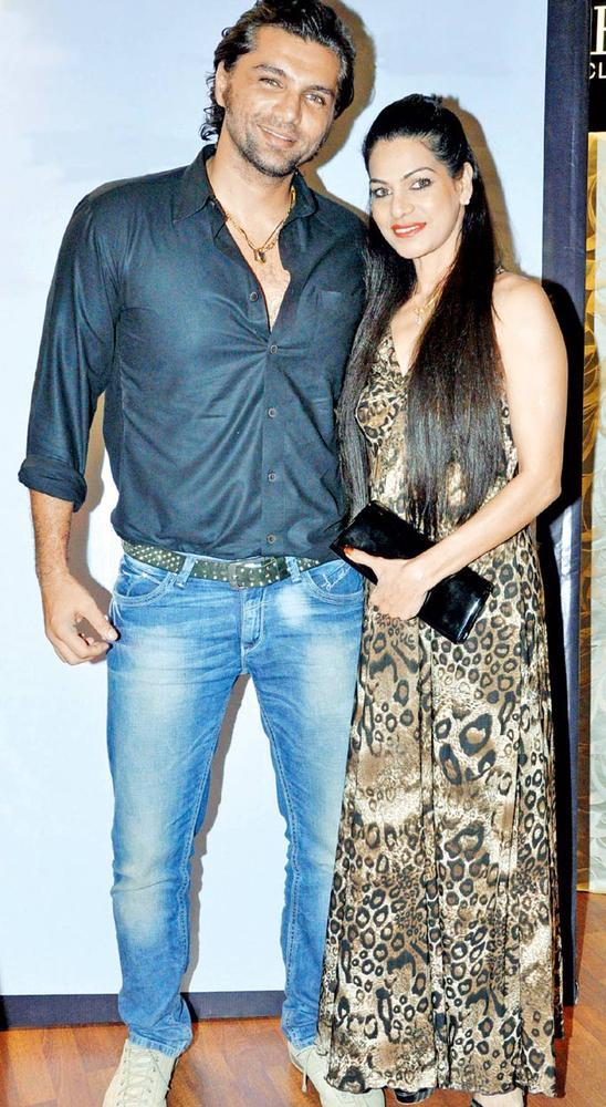 Chetan And Lavinia Pose For Camera At Splendour Collection Launch