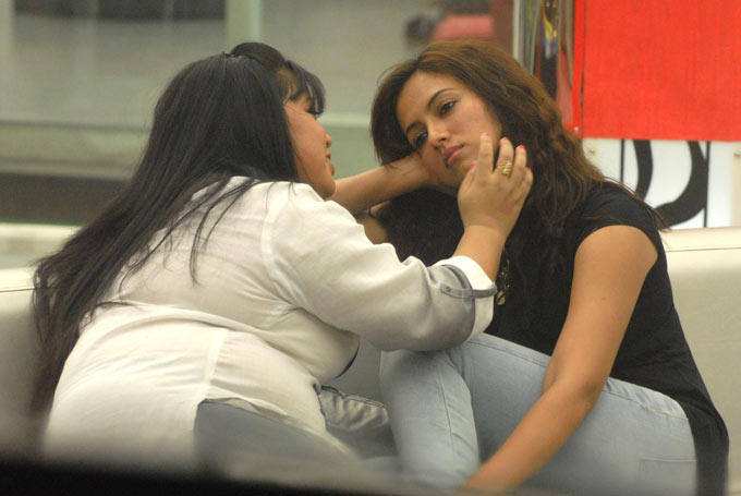 Sana And Bharti Photo On Day 52 In Bigg Boss 6