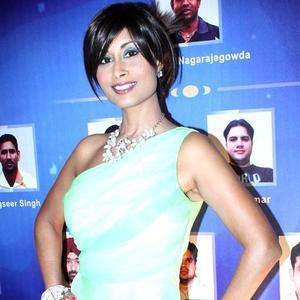 Aiysha Saagar Hot Look Still At IBN 7 Super Idols Award Ceremony