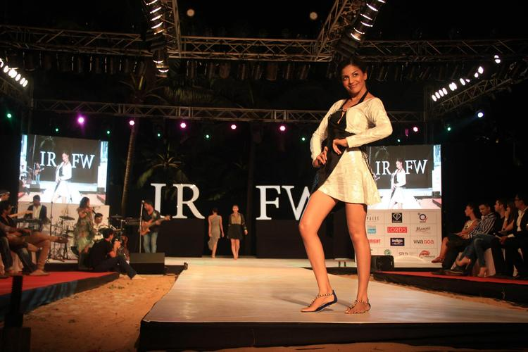 A Hot And Sexy Model On Ramp For Gogee Vasant At IRFW 2012