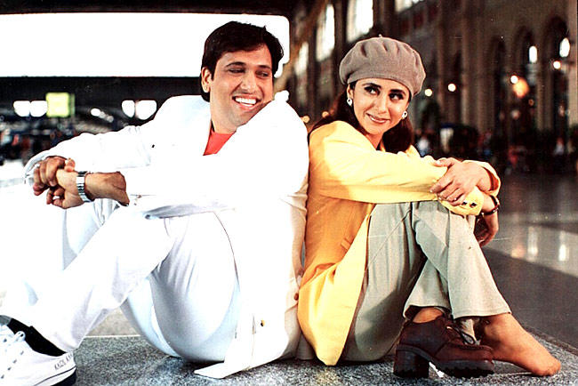 Urmila Matondkar And Govinda Ahuja Cool Still From Kunwara Movie