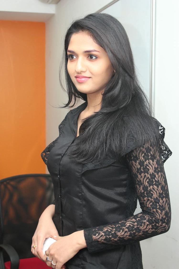 Sunaina Dazzling Face Look Still