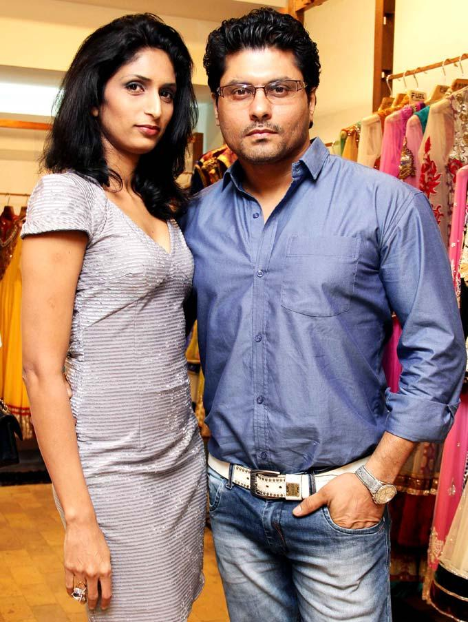 Riyaz With Wife Reshma Posed For Camera At Aanchal Kumars New Collection Launch