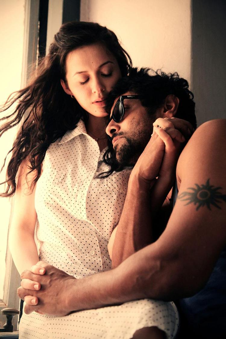Vikram And Isha Sharvani Hot Expression Photo Still From Movie David