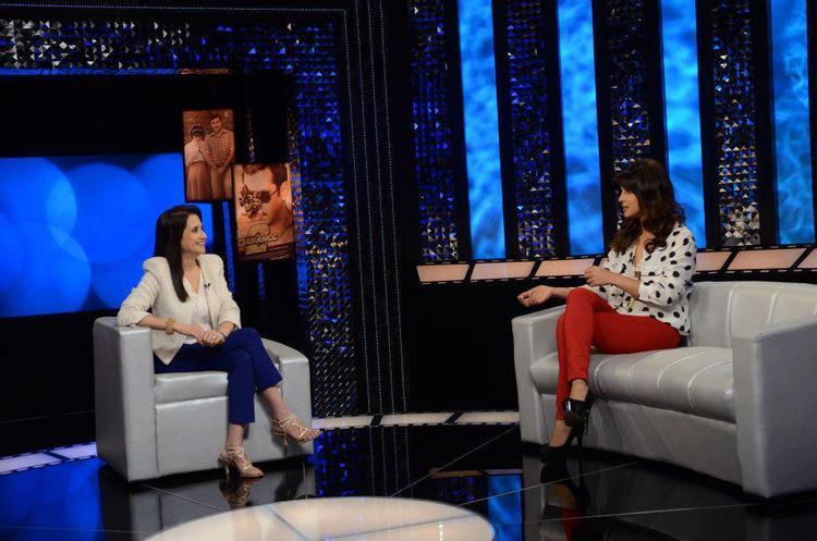 Priyanka Chopra And Anupama Chopra Gossip Still On The Front Row Show