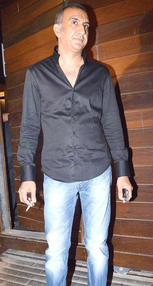 Milan Luthria Spotted At Imran Khans Housewarming Party
