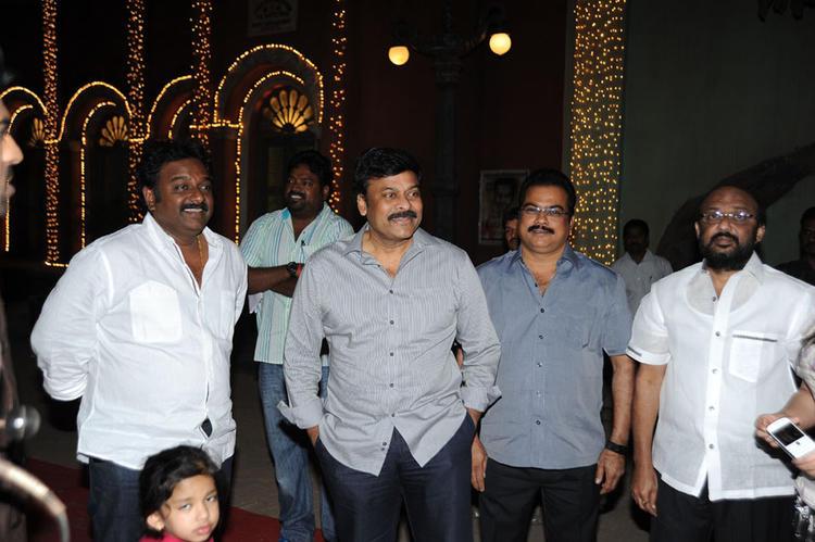 Chiranjeevi With Vinayak And Danayya Photo Clicked At Nayak Movie Sets