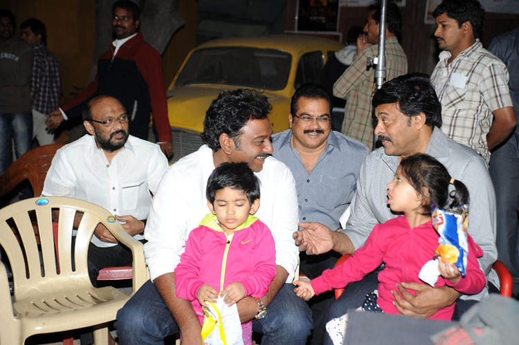 Vinayak,Chiranjeevi And Danayya Nice Pose At Naayak Movie Sets