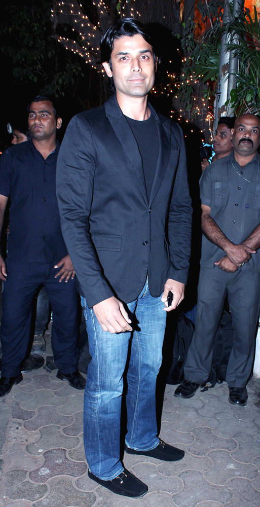A Celeb Guest Posed For Camera At Bunty Walia Wedding Reception Party