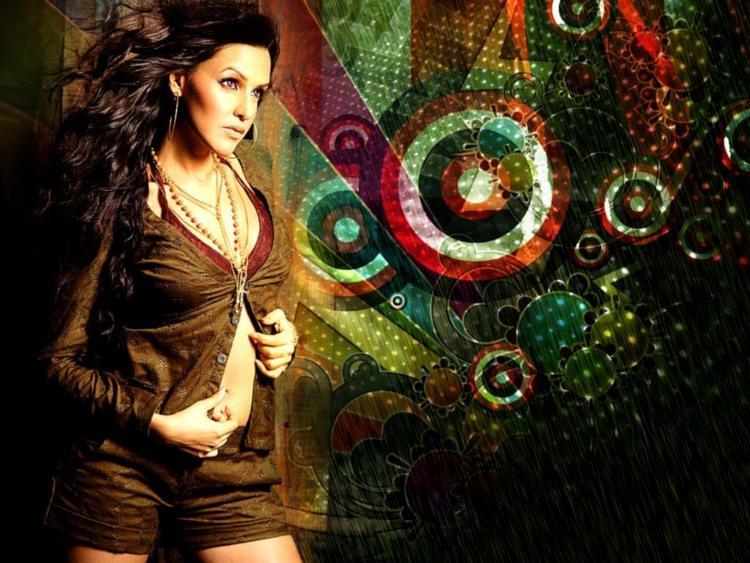 Neha Dhupia Spicy Look Wallpaper