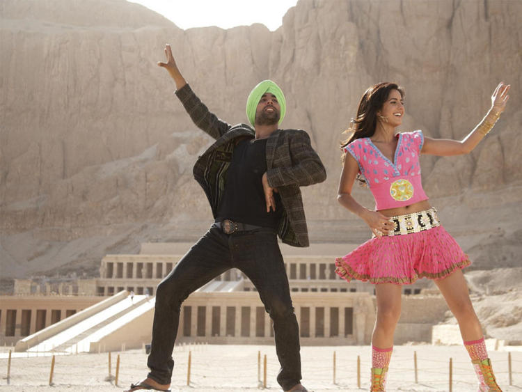 Akshay Kumar and Katrina Kaif Dancing  in Singh Is King