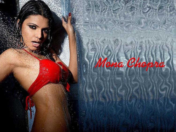 Mona Chopra Wet Swim Wallpaper