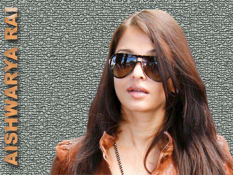 Aishwarya Rai Hot Stylist Stunning Wallpaper