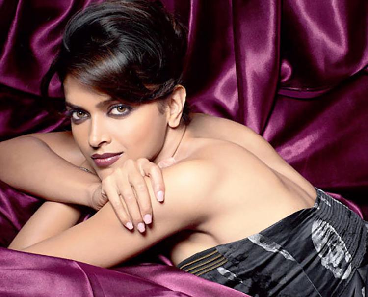 Most Beautiful Deepika Padukone Awesome Still