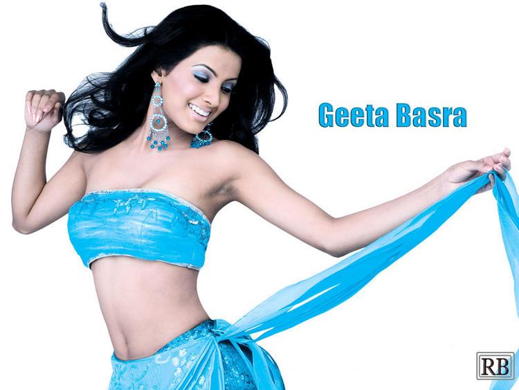 Geeta Basra Sexiest Pose Wallpaper