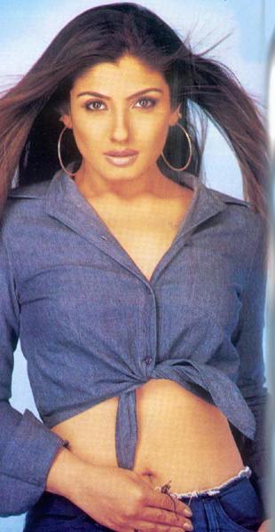 Raveena Tandon Sexiest Wallpaper