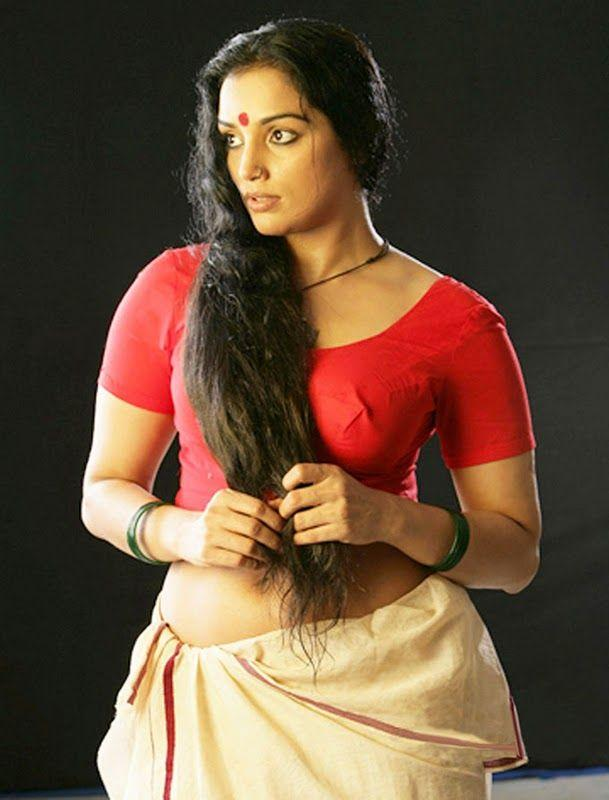 Swetha Menon Hot Pose in Blouse