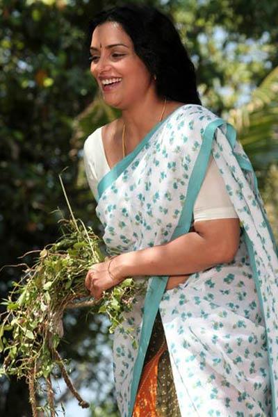 Swetha Menon Hot Rathinirvedam Remake Pic