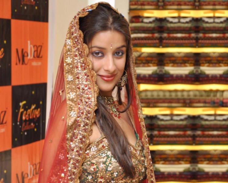 Madhurima Banerjee Sweet Smile Photo