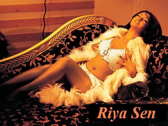 Riya Sen Latest Spicy Romancing Photo Shoot