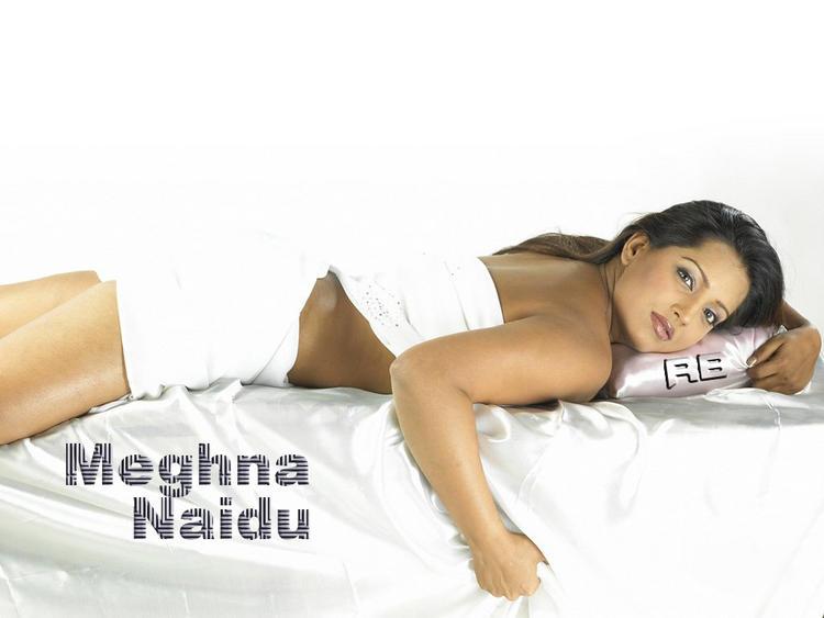 Spicy Actress Meghna Naidu Wallpaper