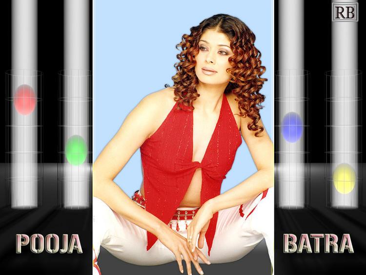 Pooja Batra Curly Hair Style Hot Wallpaper