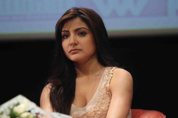 Anushka Sharma Nice Face Look