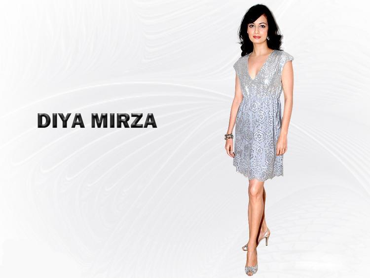 Diya Mirza Beautiful Sexy Wallpaper In Short Dress