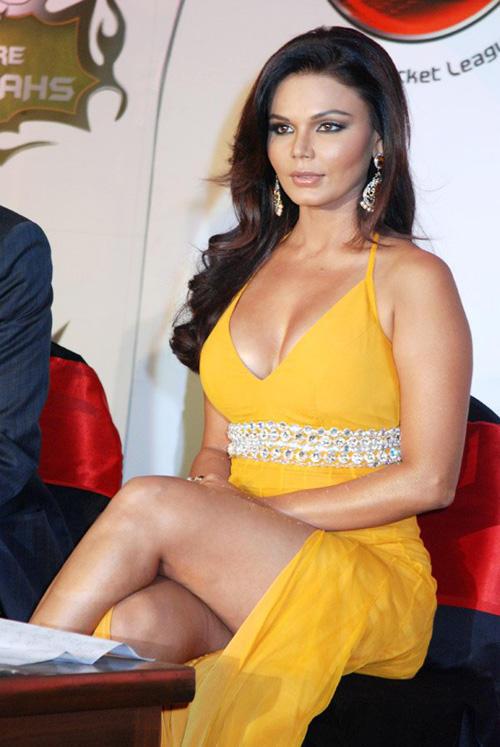 Rakhi Sawant Hot Glossy Legs Pic