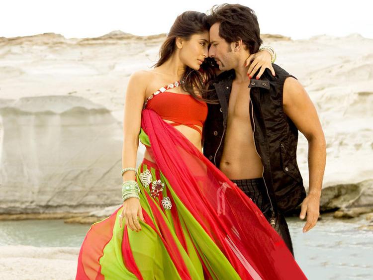 Saif Ali Khan and Kareena Kapoor Sexy Photo