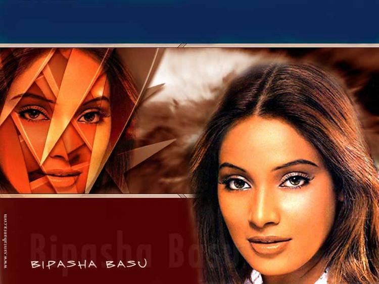 Bipasha Basu Hot Eyes Look Wallpaper